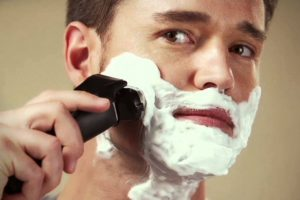 What to Look for when Buying a Men's Electric Shaver