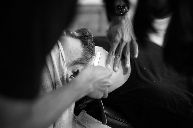 How to shave with a straight razor