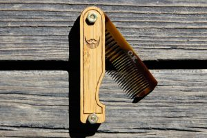 The Benefits of a Wooden Comb